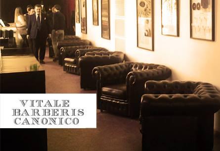 Divani poltrone chesterfield nuovi vintage vendita noleggio for Poltrone e sofa biella