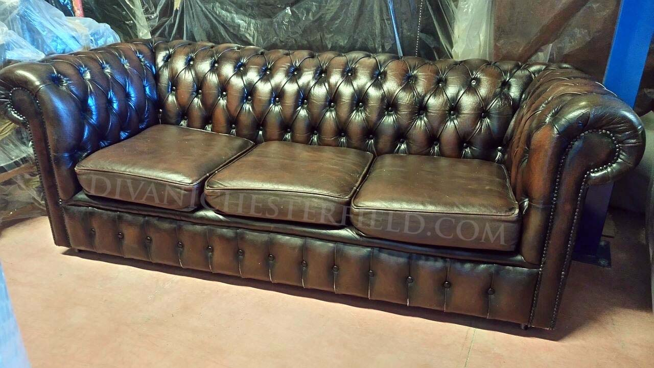 Divano chesterfield usato milano varie for Divani inglesi chesterfield prezzi
