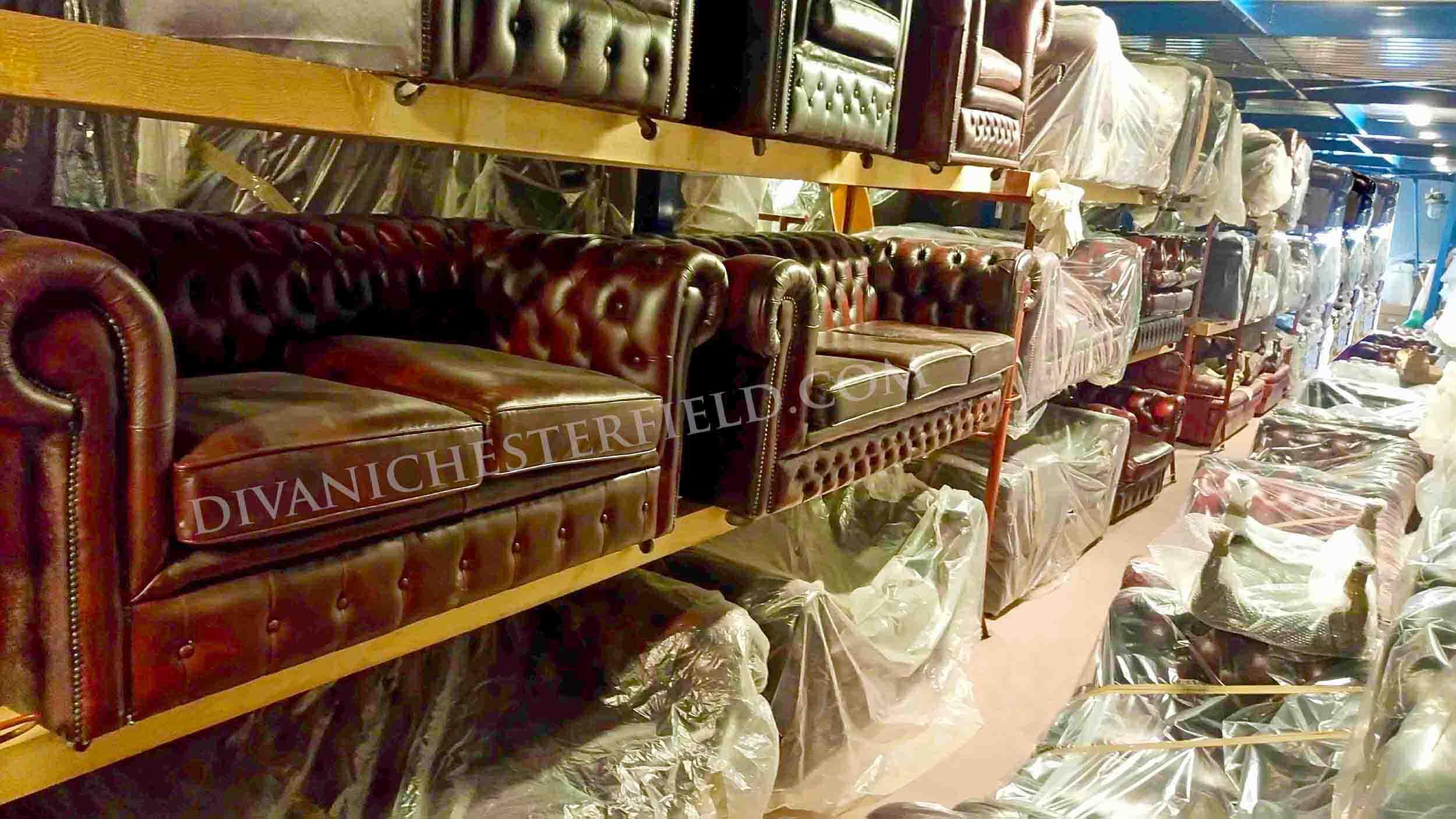 Divano chester poltrona chesterfield milano roma vendita for Divani inglesi chesterfield prezzi