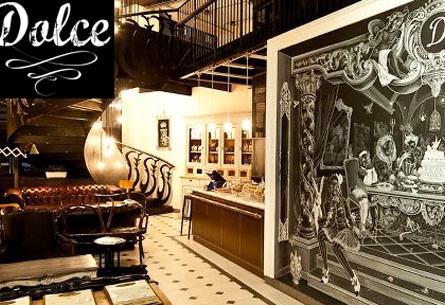 Arredi e allestimenti divani chesterfield hotel ville for Noleggio arredi roma