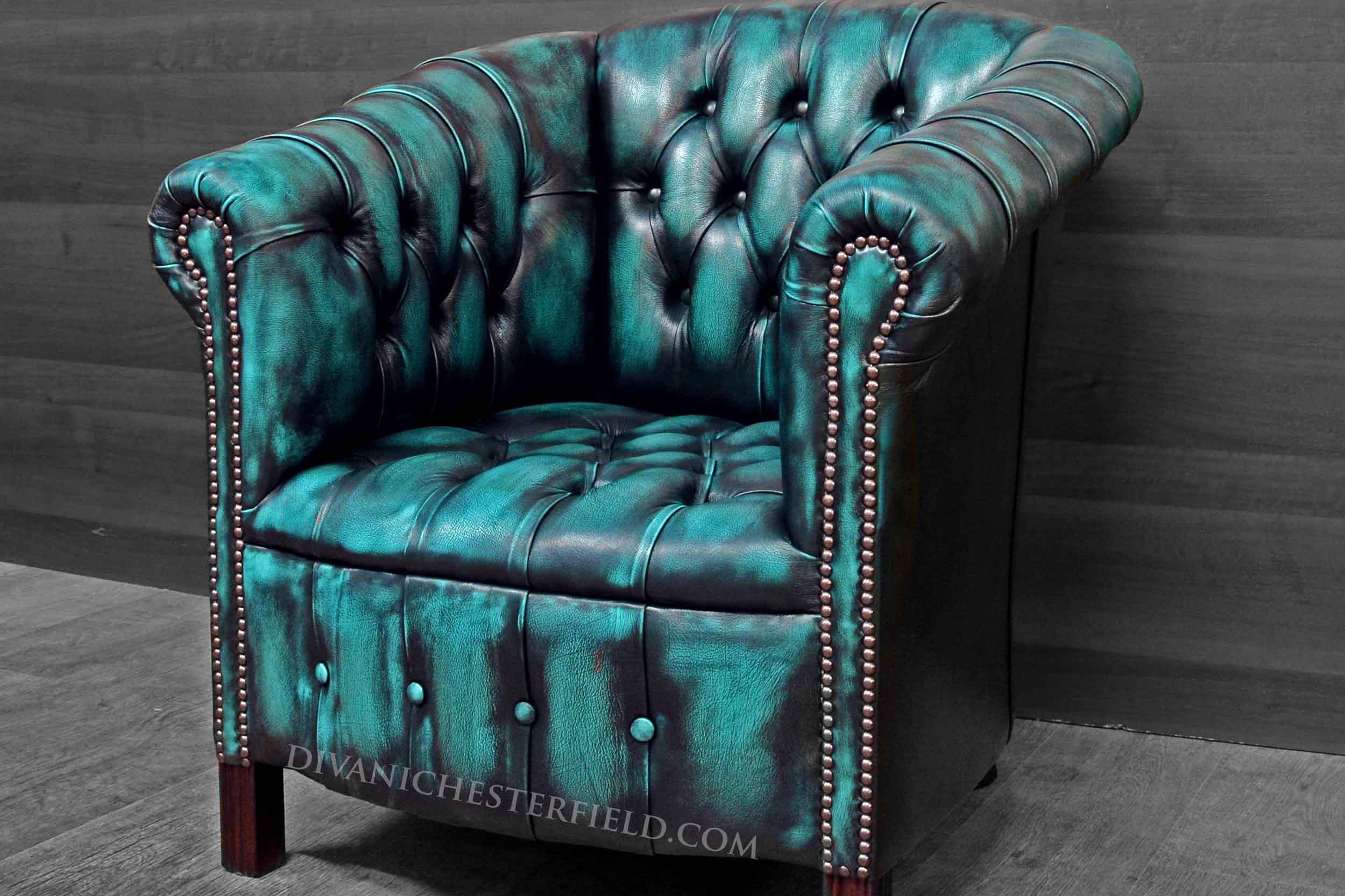 Poltrona chesterfield vintage pelle celeste turchese nuova for Poltrone vintage pelle